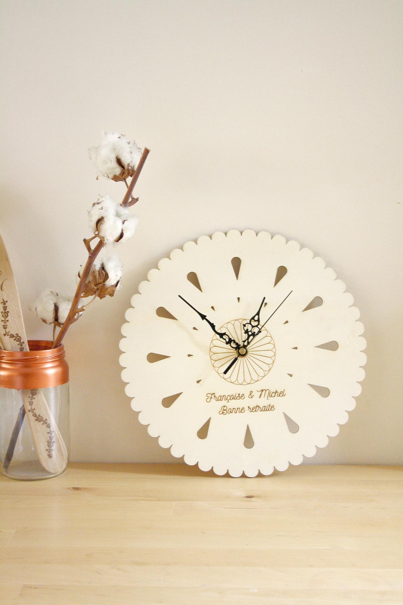 Horloge Personnalisable Gravure Avec Votre Texte Pendule Murale Florale En Bois Atelier Mumu