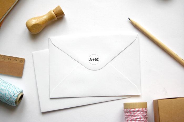tampon initiales personnalisé