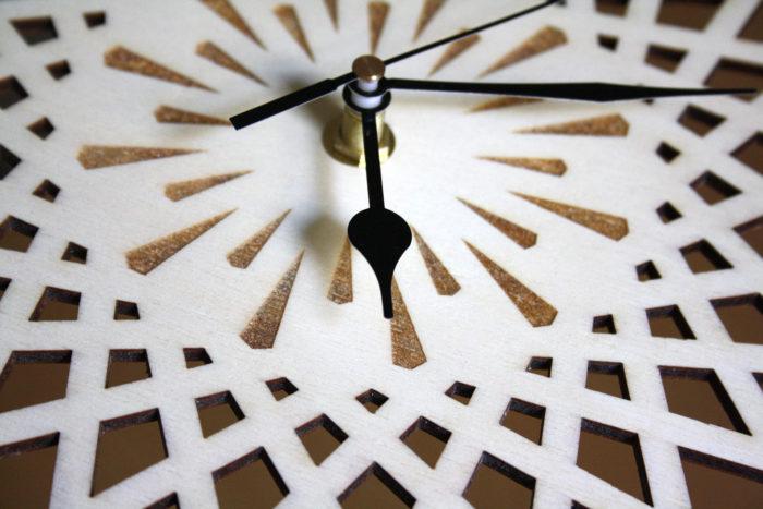 horloge bois géométrique