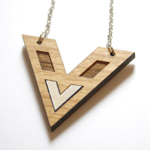 collier chevron