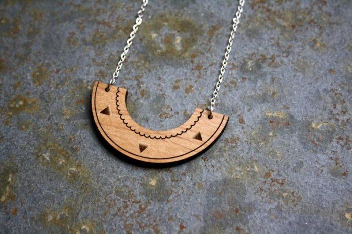 collier bois aztèque