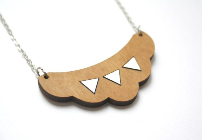 collier nuage triangle