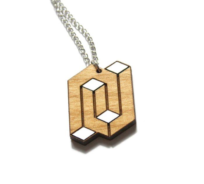 collier bois géométrique